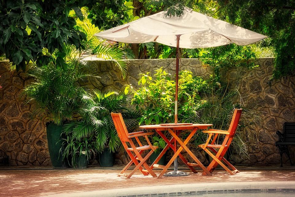 Sonnenschirm kaufen für den Garten: 5 wichtige Tipps