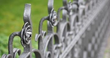5 Sachen, die Sie über die Metallzäune aus Polen wissen sollten